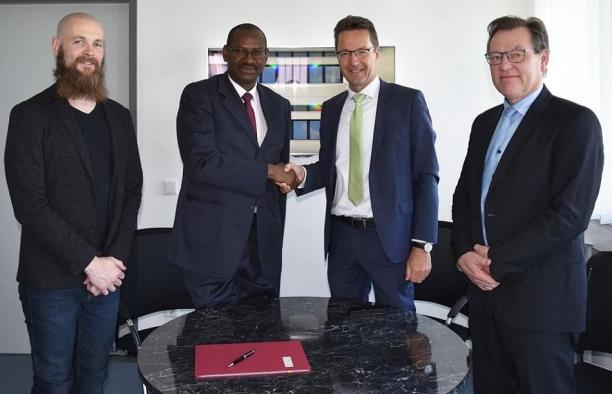 Le Directeur Général de l'INP-HB, représenté par le DGA, et sa délégation visitent l'Université de Wuppertal